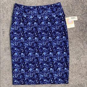 LuLaRoe dark blue patterned Cassie skirt L NWT